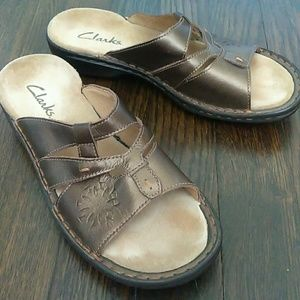Clarks bronze slide on leather sandals size 6